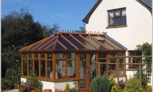 Wooden gable end conservatory in North Devon